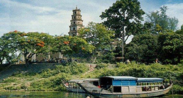 Thien MU Pagoda Hue Viet Nam