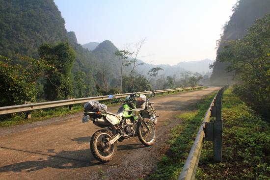 -da-nang-to-hoi-chi-minh-motorbike-tour