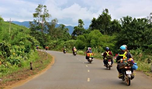 hue to phong nha motorbike